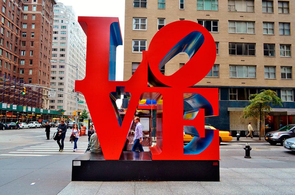 Escultura amor New York