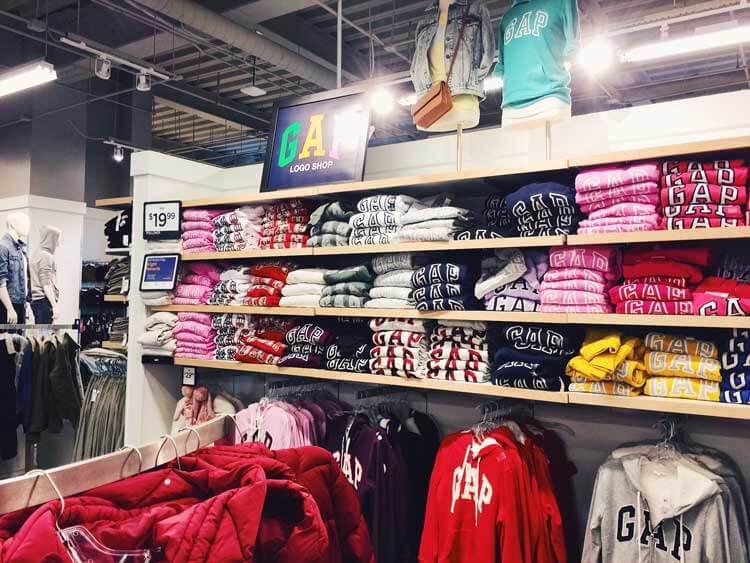 tienda GAP en empire outlets nueva york