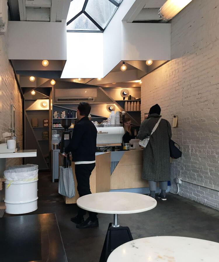 Happy Bones cafetería en Nueva York