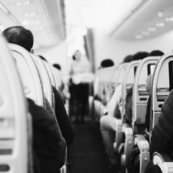 como dormir en el avion